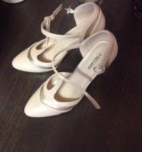 Туфли женские вечерние