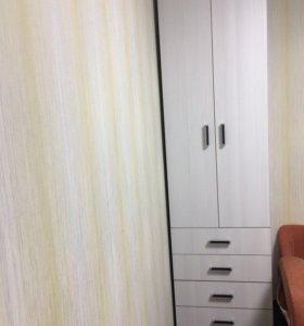 Шкаф, стол, полочка