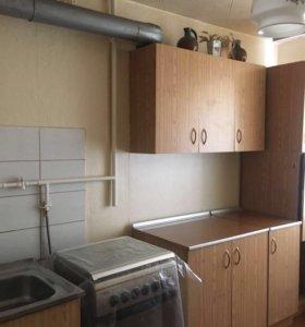 Кухонный гарнитур с пеналом