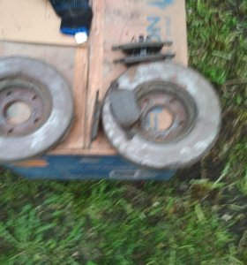 Передние Тормозные диски Ford Focus 2 + колодки