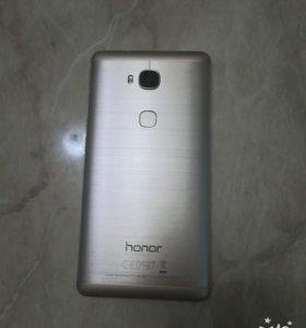 Смартфон Huawei Honor 5x