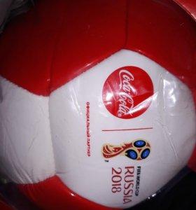 Мяч футбольный Coca-Cola.