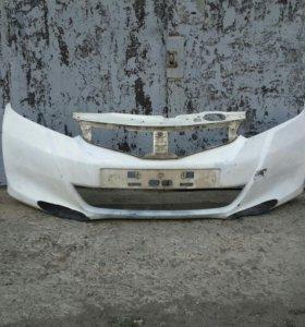 Передний бампер HONDA FIT 2010