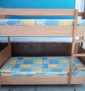 Кровать с матрасами
