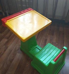Детский столик