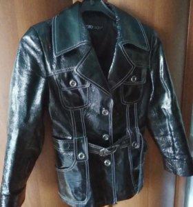 Куртка кожаная,женская новая