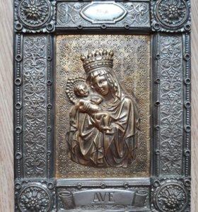 Икона из бронзы покрыта серебром. Срочно!!!