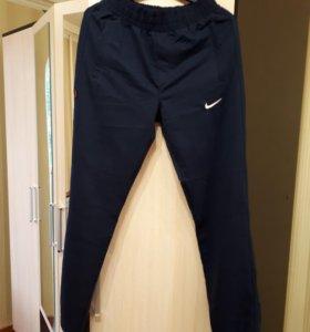 Новые Спортивные брюки Nike размер М