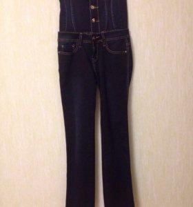 Новые джинсы с завышенной талией