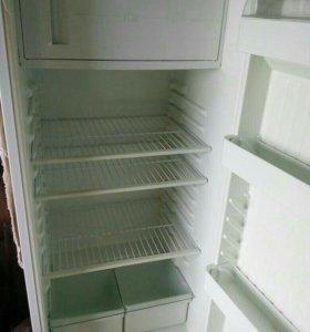 Холодильник б/у,в хорошем состоянии