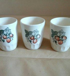 Белые керамические стаканы с рисунком