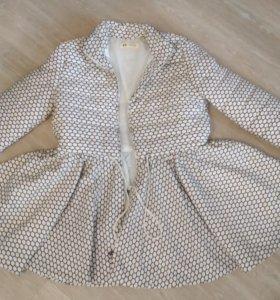 Демесезонная курточка.Размер 44-46