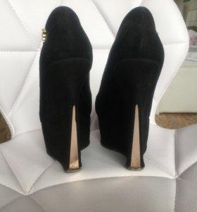 Туфли чёрные 37 на платформе