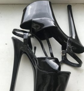 Стрипы. Обувь для стриптиза