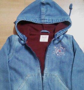 Джинсовая куртка и комбинезон