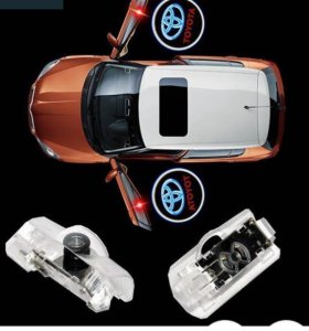 Проектор логотипа Toyota в двери
