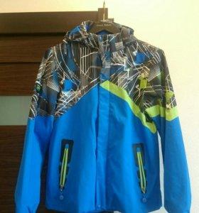 Продам мужскую куртку-ветровку..