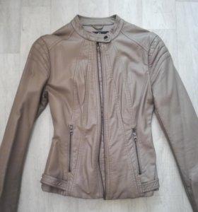 Курточка р-р 40-42