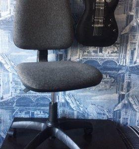 Офисный стул компьютерный