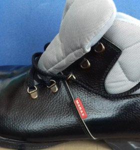 Лыжные ботинки с креплением новые