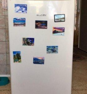 Маленький холодильник LGEN SD-085 W