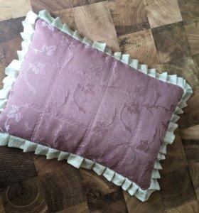 Комплект для спальни: подушки, покрывало, шторы