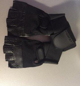 Перчатки для спорта demix новые