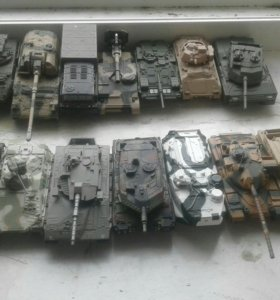 Модели танков и машин