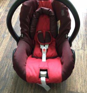 Автомобильное кресло maxi cosi 0-13 кг
