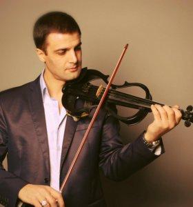 Русско-Армянский певец, скрипач, ведущий, кларнет