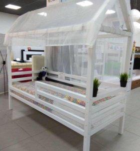 Кровать домик с матрацем