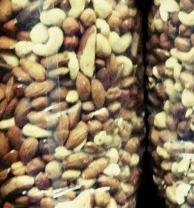 Фундук,  арахис,  кешью,  миндаль -0,5 кг(новые)