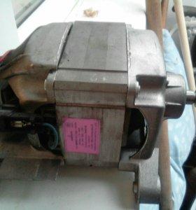 Двигатель стиральной машины Занусси