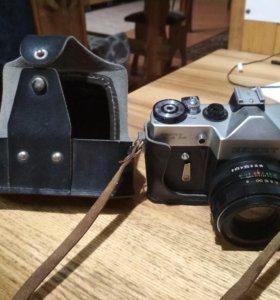 Фотоаппарат Зенит TTL с объективом Гелиос 44м