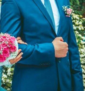 Костюм, рубашка, галстук и запанки