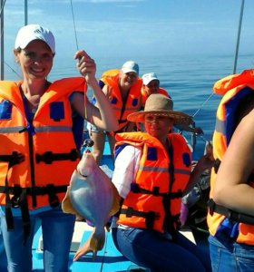 Отдых, морская рыбалка камбала