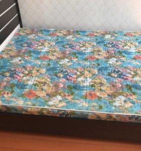 Кровать двуспальная с матрацем