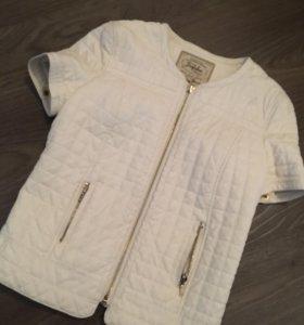 Пиджак Zara  кож.зам материал