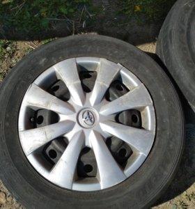 Продам 2 колеса 195/65/R15