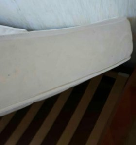 Кровать с анатомическим матрасом