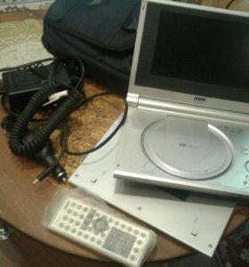 DVDплеер .+внешний сьемный аккомулятор+пит. Сумке