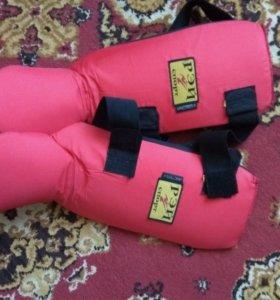 Накладки на ноги для рукопашного боя Рэй-Спорт