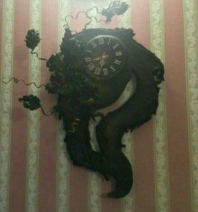 Огромные кожаные часы