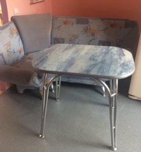 Угловой кухонный диван и обеденный стол