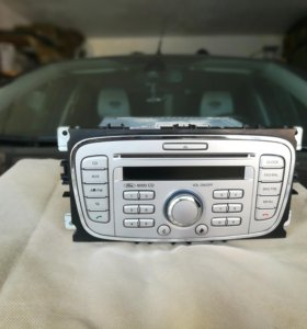 Штатная автомагнитола на Форд Фокус 2