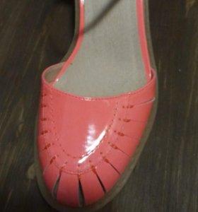 Новые туфли 38.5 размер