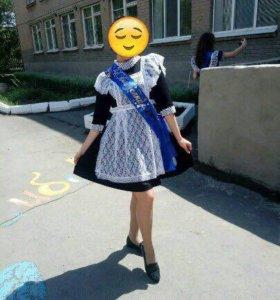 Школьный сарафан и 2 фартука (чёрный,белый)