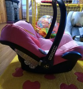Автомобильное кресло люлька Maxi-Cosi CabrioFix