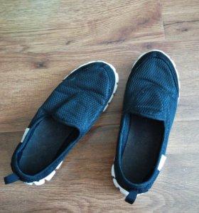 Легкая, летняя обувь