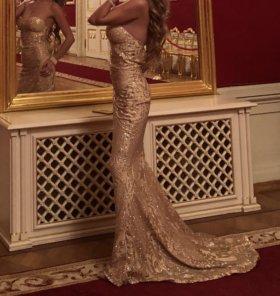 Вечернее блестящее платье в пол